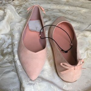 NEW H & M Pale Pink Pointed Flats w/Bow Faux Suede